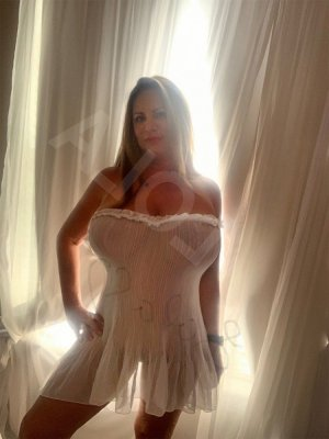 Olinka topless escort girls in Spanish Springs