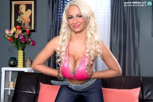 Yvonne-marie incall escort Little Ferry