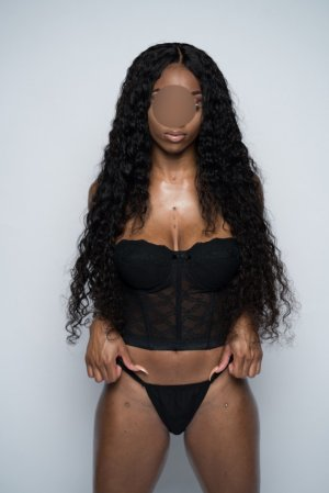 Maximilienne bisexual escorts in Milford Mill, MD